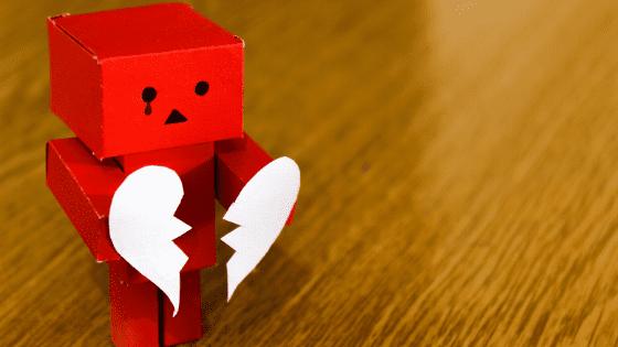 涙を流すロボット
